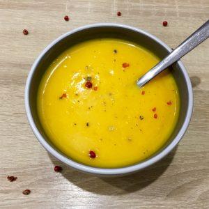 Soupe potiron, carotte & lait de coco (photo)